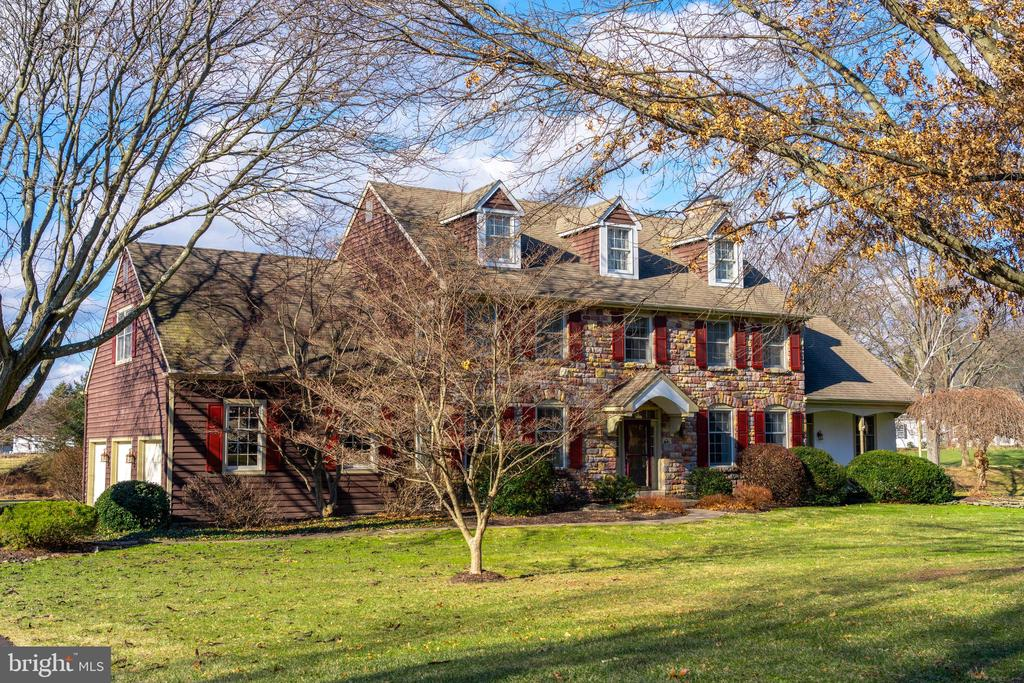 3690 SECONDWOODS RD, Doylestown PA 18902