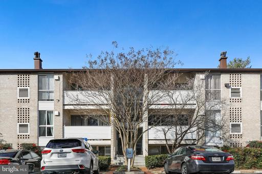 5608 Bloomfield Dr #202, Alexandria 22312