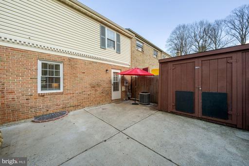 9627 Lindenbrook St Fairfax VA 22031