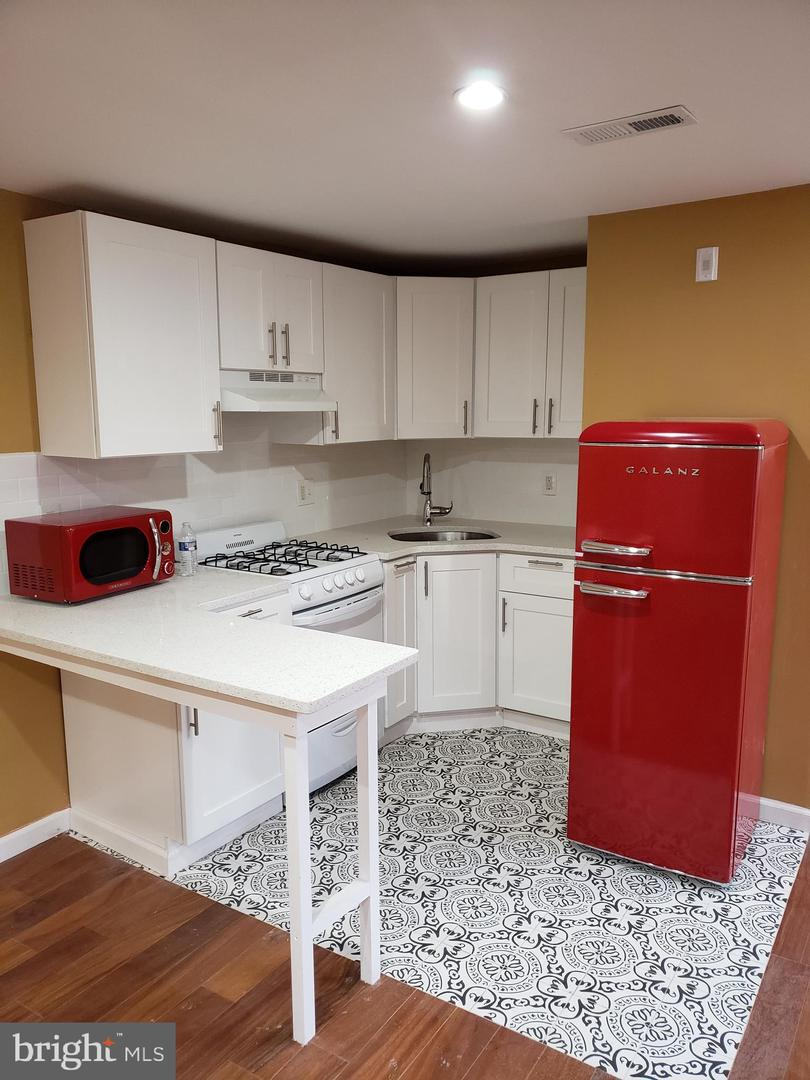 624 N 16th Street UNIT 3R Philadelphia, PA 19130