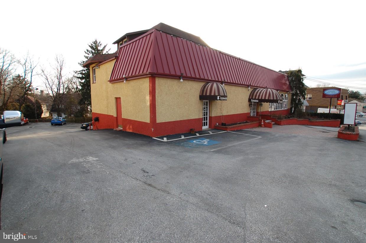 384 W Lancaster Avenue Wayne, PA 19087