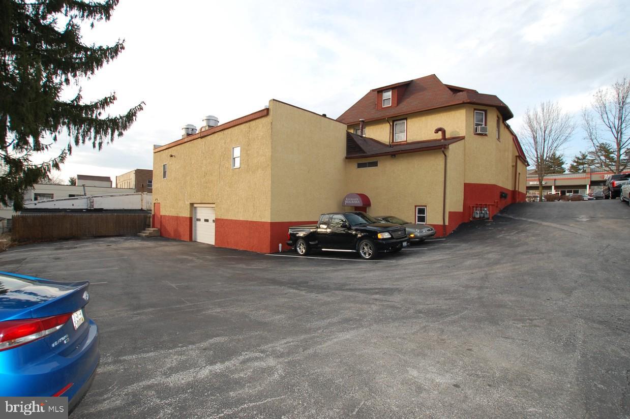 384 W Lancaster Avenue Wayne , PA 19087