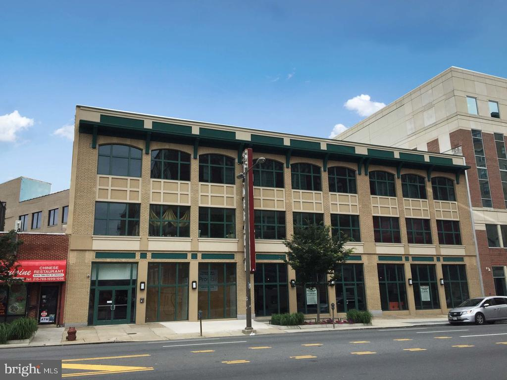 Retail/Office space is available for lease in The Studebaker. This historic building has been restored to its original façade. The property is located near Center City and public transit. The site features an open floor plan, ideal for a restaurant or creative office space. Three (3) spaces are currently available: 1,578 SF and 8,000 SF on the first floor, they can be combined 11,190 SF on the second floor  Price per SF varies