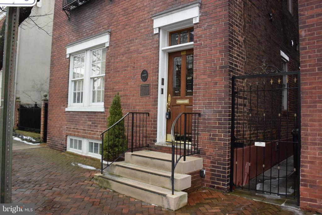 Photo of 310 Prince St #4