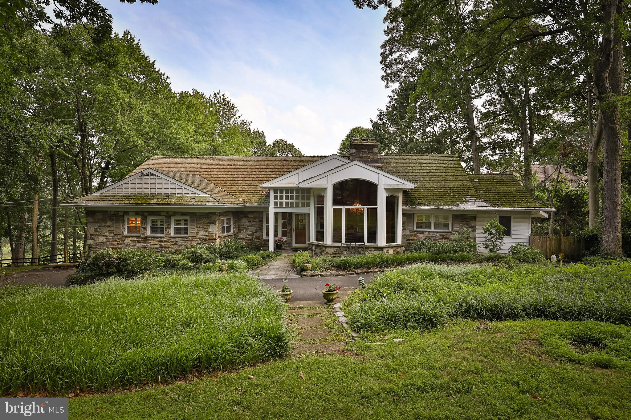 2245 Country Club Dr, Huntingdon Valley, PA, 19006