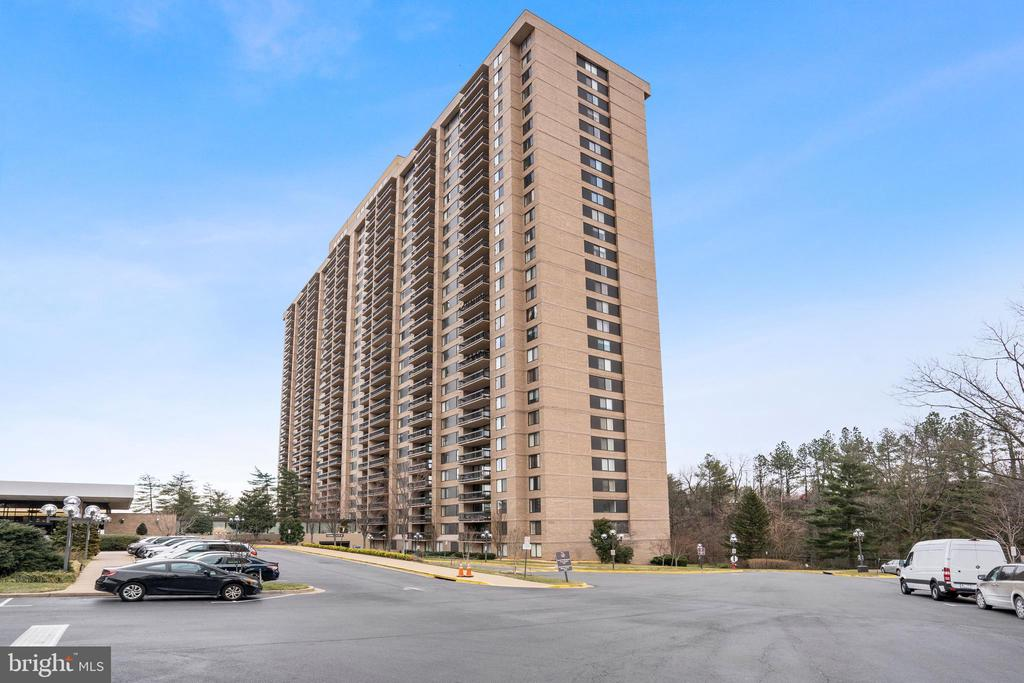 3705 S George Mason Dr #1617s, Falls Church, VA 22041