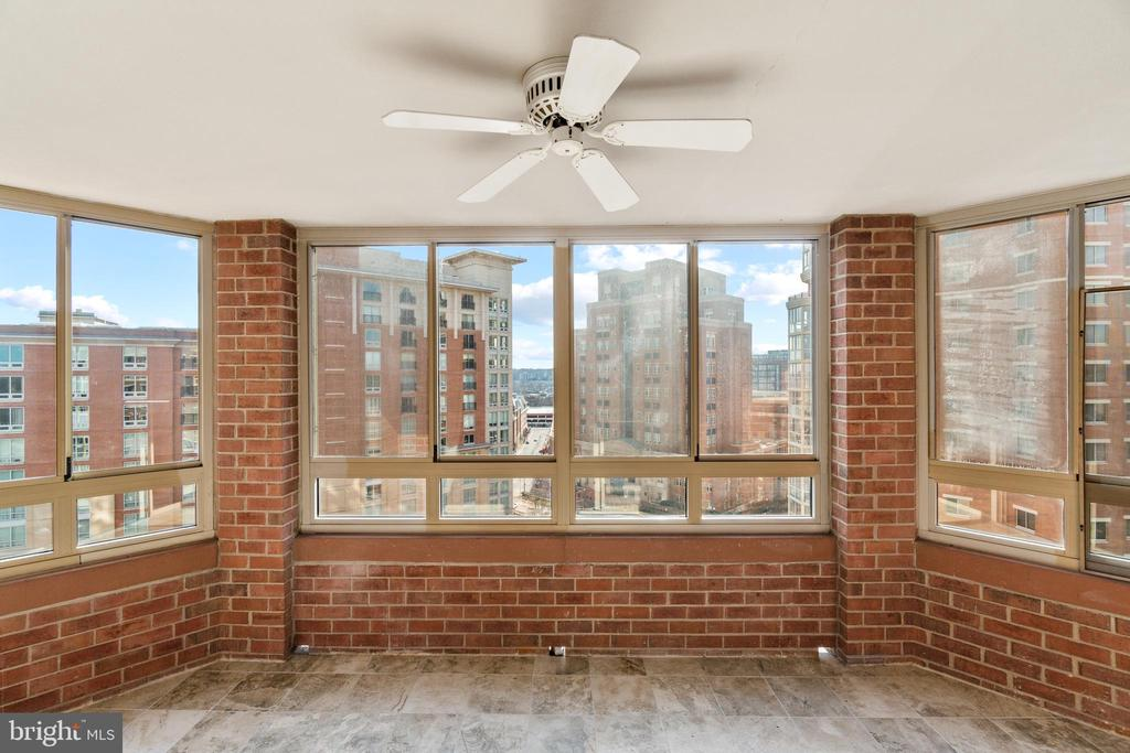 Photo of 2121 Jamieson Ave #1406