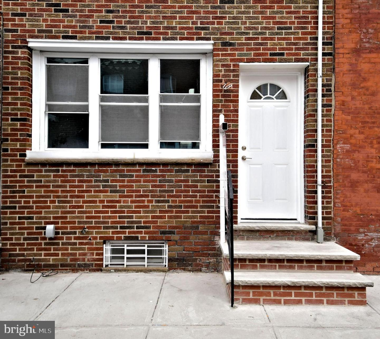 903 Winton Street Philadelphia, PA 19148