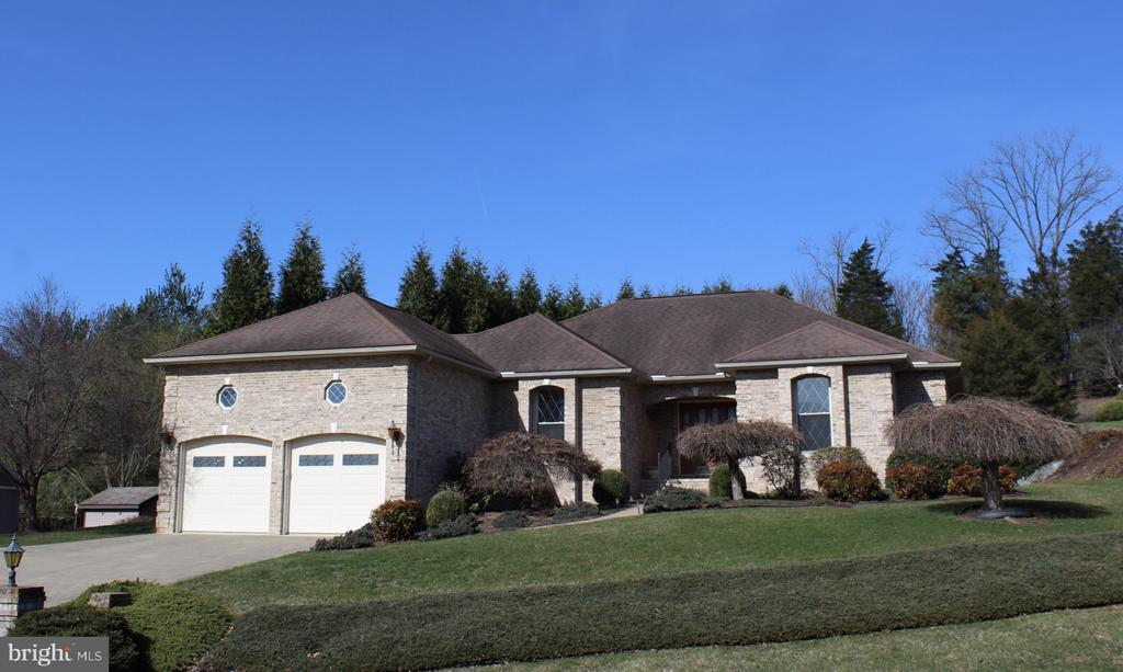 Photo of 39 Manor Dr