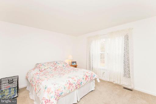 484 Sleepywoods Rd Cross Junction VA 22625