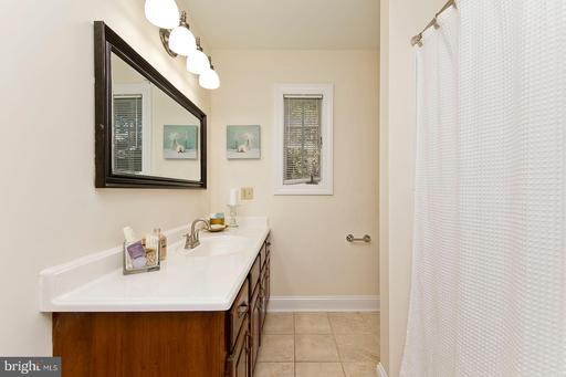 121 Rugby Pl, Winchester, VA 22603