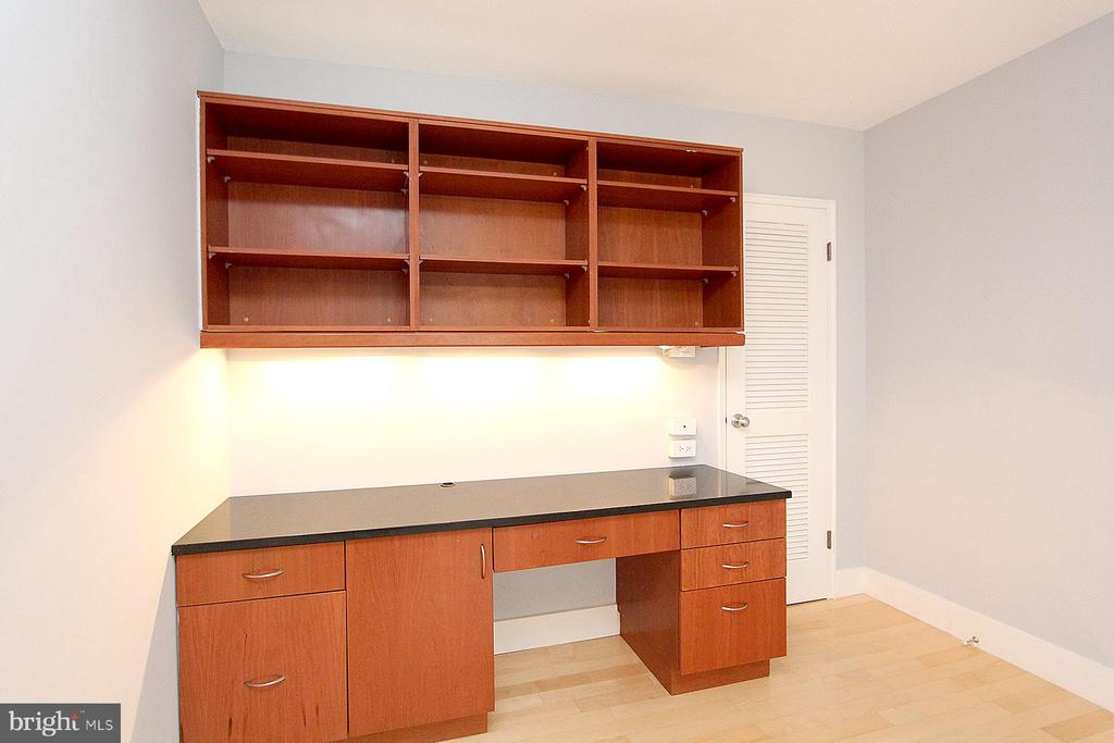 Photo of 1301 N Ode St #135
