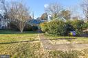 7954 Bolling Dr