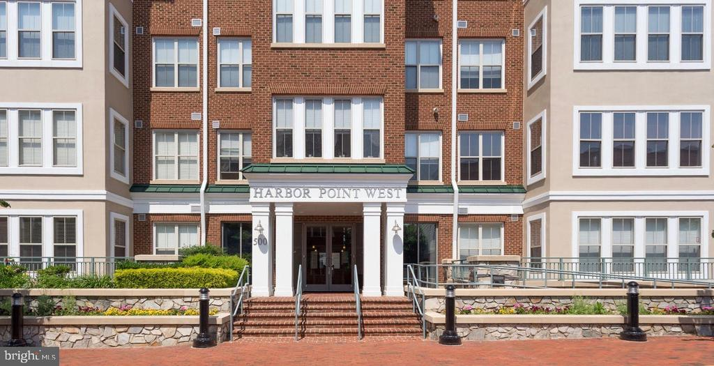 500 Belmont Bay Dr #403