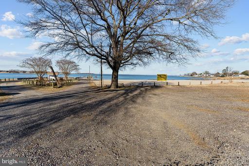 175 Guthrie Rd Colonial Beach VA 22443