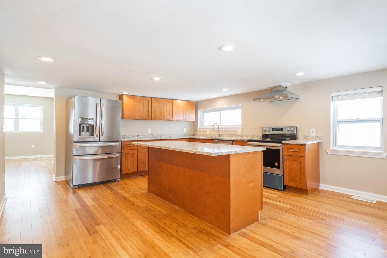 Conshohocken                                                                      , PA - $545,000