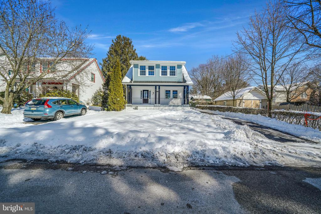 Highest and best offers submitted by Friday 2/12/21 at5PM  Owner is PA Licensed Realtor