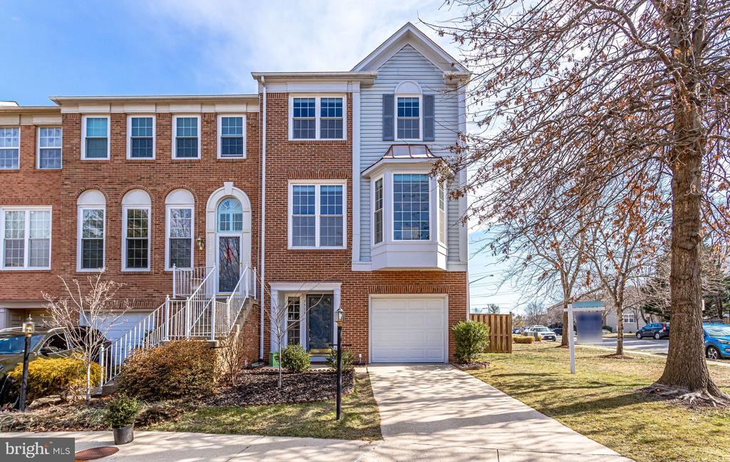 7739 Mary Beth Way, Alexandria, VA 22315