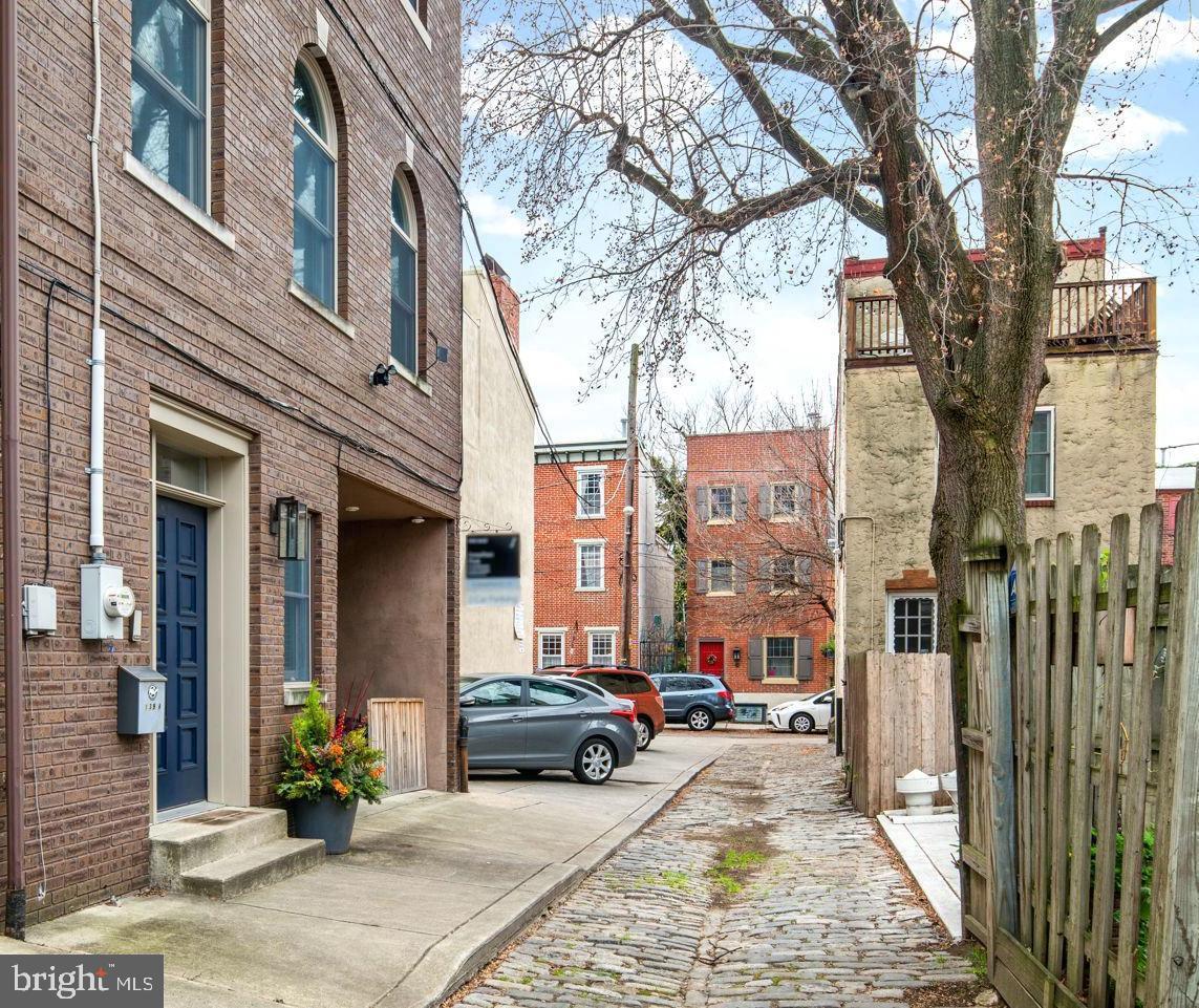 139A Carpenter Street Philadelphia, PA 19147