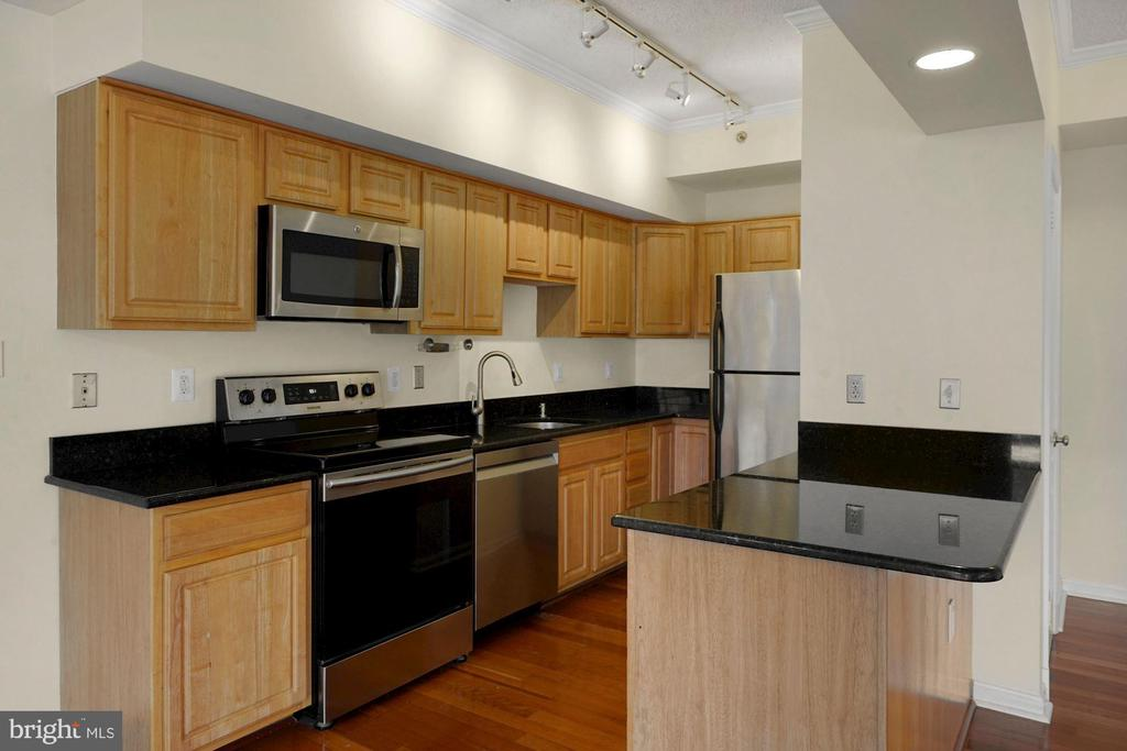 Photo of 1211 S Eads St #1006