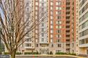 2726 Gallows Rd #715