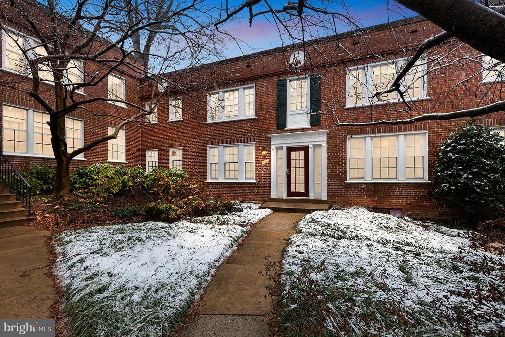 1902 N Rhodes St #66, Arlington, VA 22201