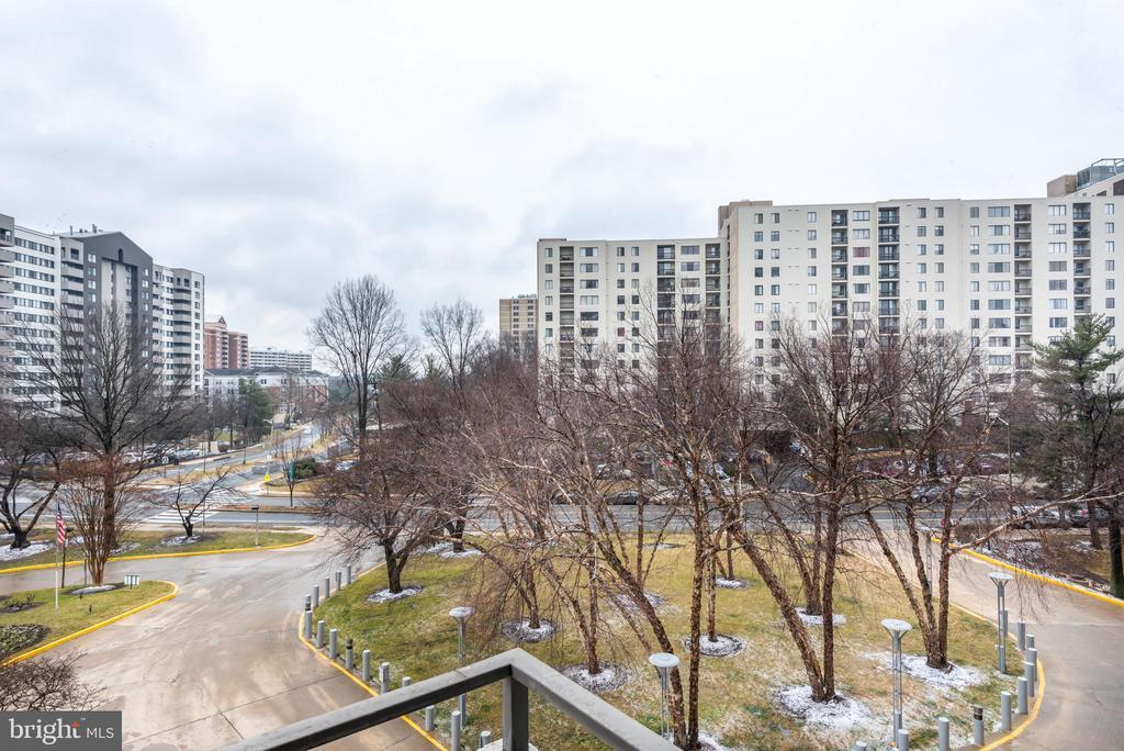 Photo of 6301 Stevenson Ave #309
