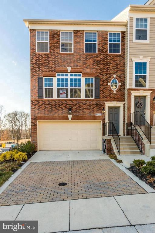 Gorgeous former model home in sought after Fieldstone community. Only 6 years old. Open floor plan, perfect for entertaining, gleaming hardwood floors, granite counters, stainless steel appliances. Large master suite, with deck, walk in closet, and master bath. The Fieldstone community features a club house, swimming pool, and playground.   Easy commute to either Ft. Meade, Baltimore, or DC. Make an appointment to see it before its gone!