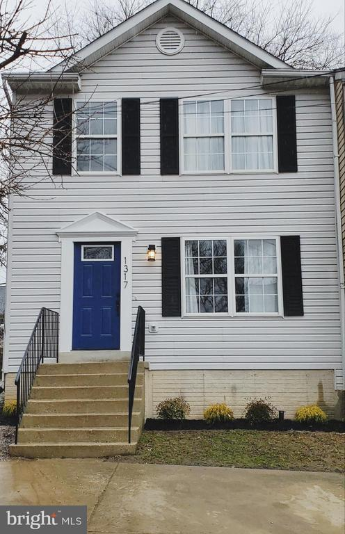 Beautifully renovated end unit townhome. Move-in ready. New carpet, paint, new bathrooms, kitchen, and more. Stainless steel appliances. New water heater. Full basement with bonus room.  Deck. Less than 6 minutes from Sports and Learning Complex and Fed Ex Field.  Plenty of shopping and restaurants nearby at Woodmore Town Center. NO HOA!!This beautiful townhome is ready to be called home. ***Please follow COVID precaution guidelines Mask and gloves available by front door Please cover shoes ( shoe covers provided) Thanks