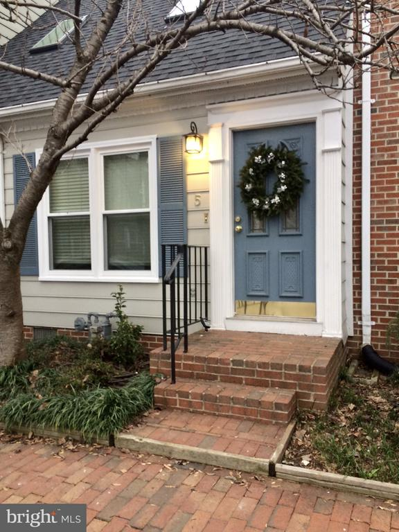 PLEASE NOTE THE TENANT HAS VIDEO EQUIPMENT IN THE HOME AND IT IS RUNNING!  A renovated gem in the heart of Downtown Fredericksburg!  Charming townhome located directly across the street from the VRE. Walk to everything! A cozy family room with a fireplace adjoins the kitchen, which opens up to a fenced-in rear yard. Great Permanent Residence or Investment Opportunity! $1300/month rental history!   So much to offer with 2 Bedroom and 1 1/2 Bath (room to make the 1/2 bath into a full), New HVAC 2014, New Roof-2015, New Renovated Kitchen including granite countertops, New Double Pane Windows 2015, New Washer & Dryer 2019, All New Flooring 2015, New Skylights 2015, Renovated Bathrooms 2015 including porcelain tile, Chimney Cap & gutter Guards replaced 2020, and FIOS!