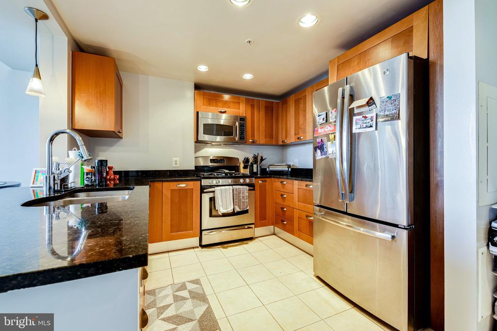Photo of 2451 Midtown Ave #610