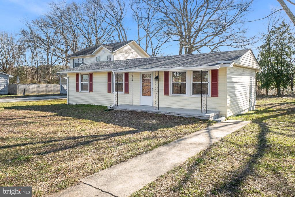 346 LAKEVIEW DR, Colonial Beach VA 22443