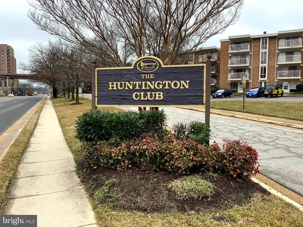 Photo of 2607 Huntington Ave #65