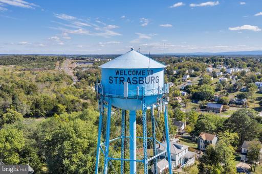 241 - 263 W King St Strasburg VA 22657