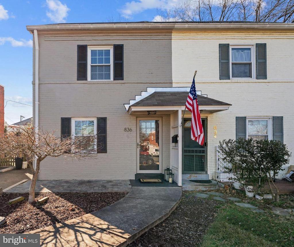 836 S Ivy St, Arlington, VA 22204