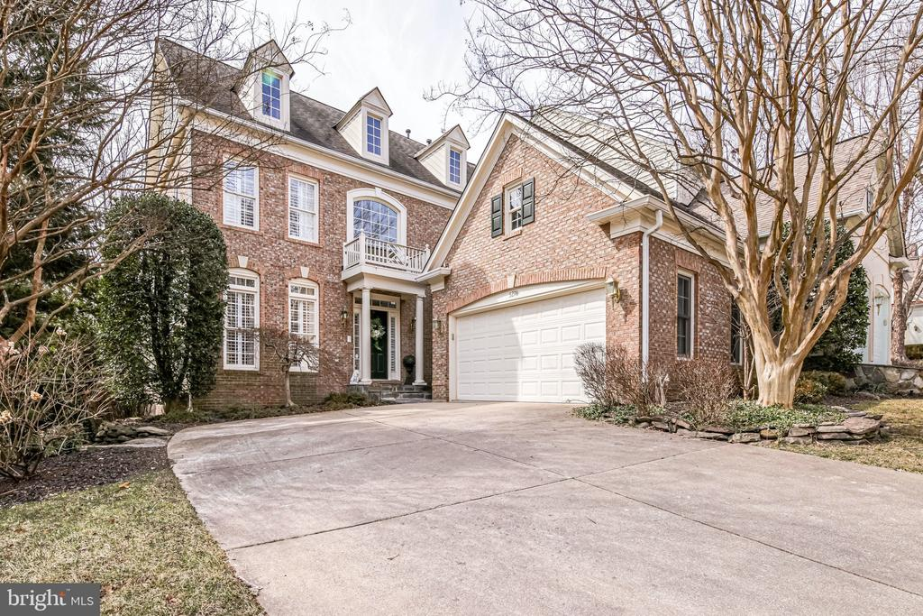 5278 Winter View Dr