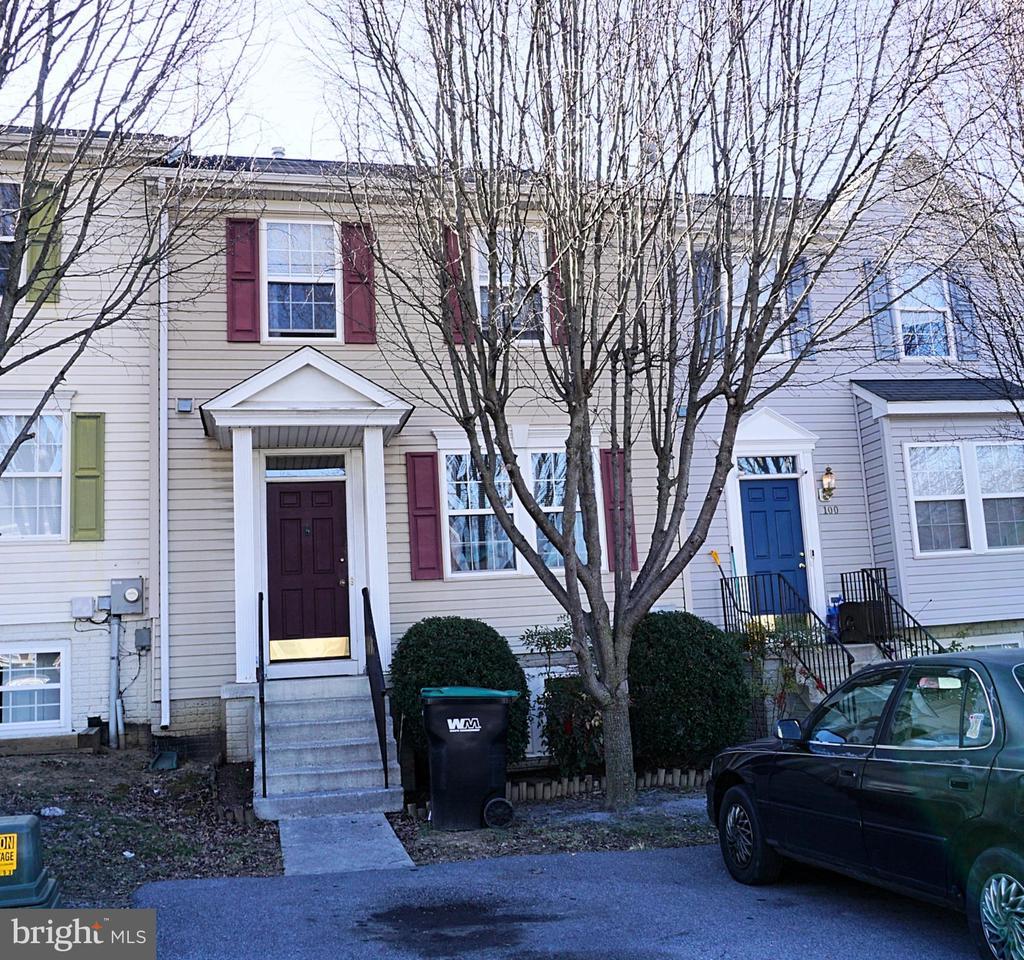 102 Hupps Hill Ct, Strasburg, VA 22657