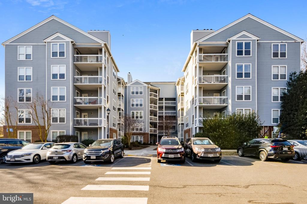 3178 Summit Square Dr #3-E3