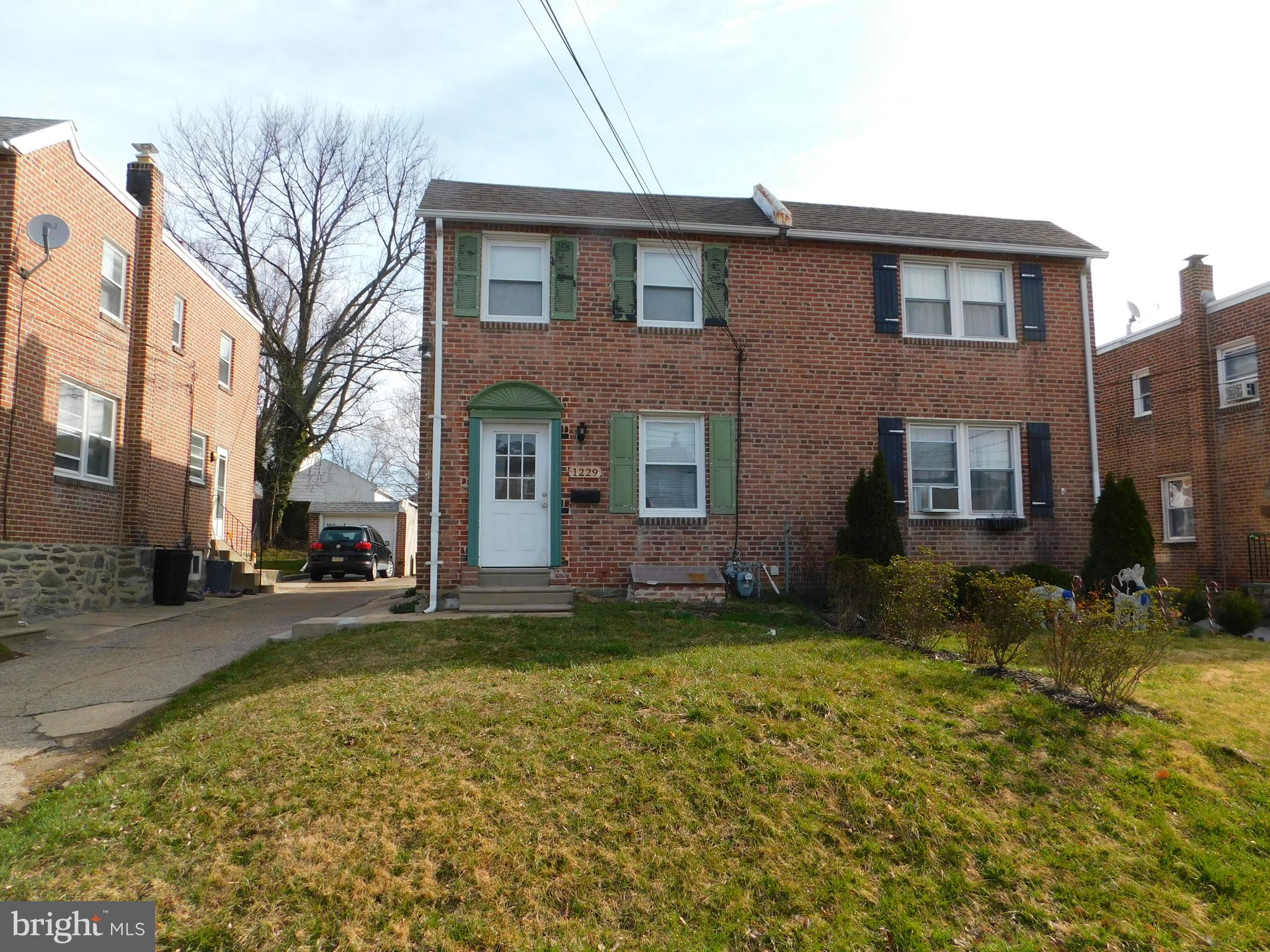 Investor Alert! Cash Only! Three bedroom,  One bath, Brick  twin home  in Upper Darby. Property is being sold as is, seller will make no repairs or clean out any contents of house. . Buyer is responsible for doing the Twp sewer inspection and ordering Twp U & O and any and all repairs call for by twp. Inspect and make offer.