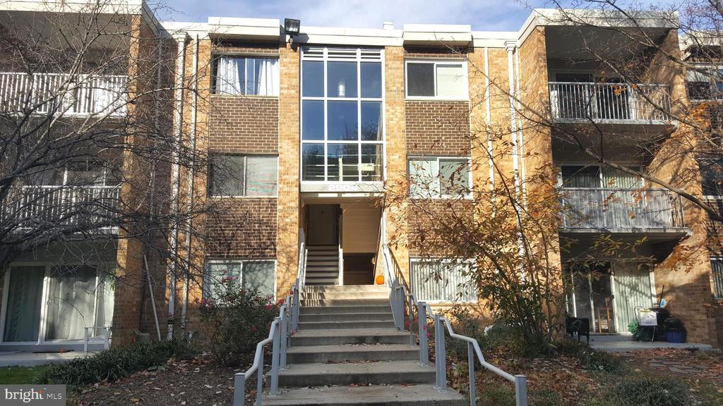 2904 Kings Chapel Rd Unit #7, Falls Church, VA 22042