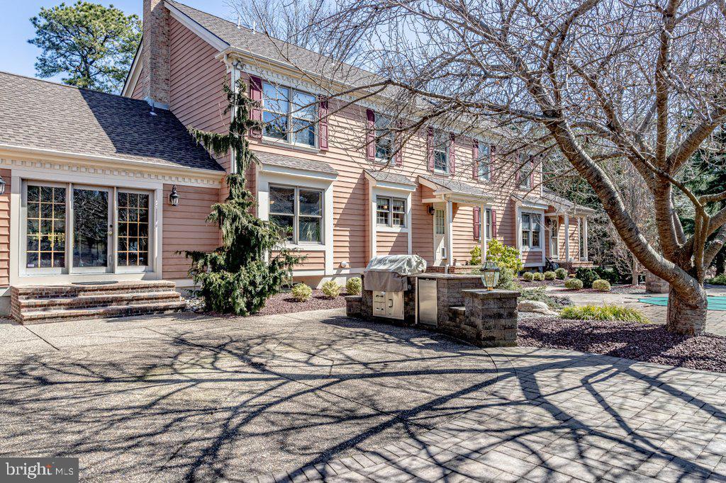 Voorhees,NJ- $830,000
