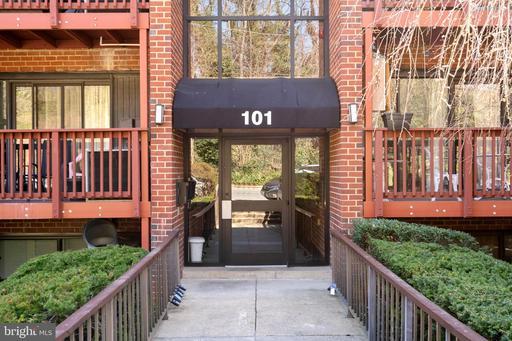 101 Skyhill Rd #204