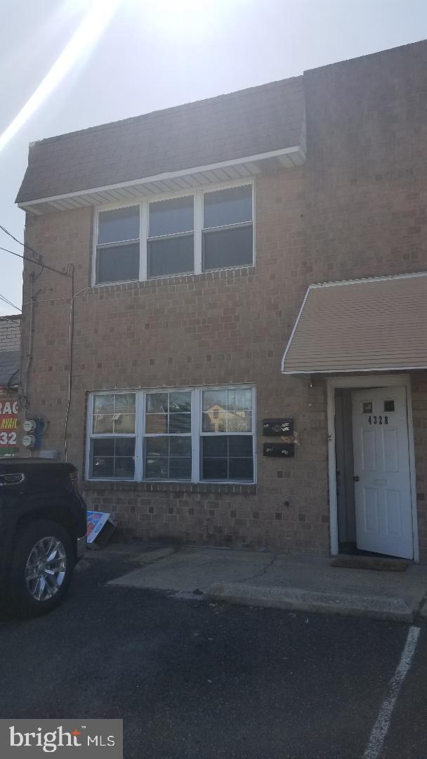 4328 E Howell Street Philadelphia , PA 19135