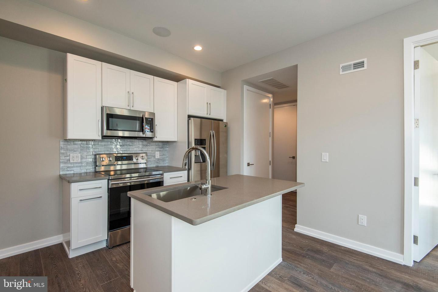 1340 S 13th Street UNIT 3D Philadelphia , PA 19147