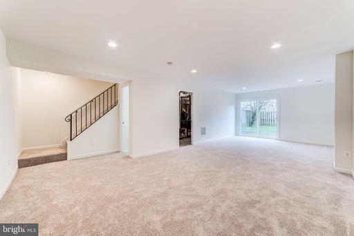 14818 Hatfield Sq Centreville VA 20120