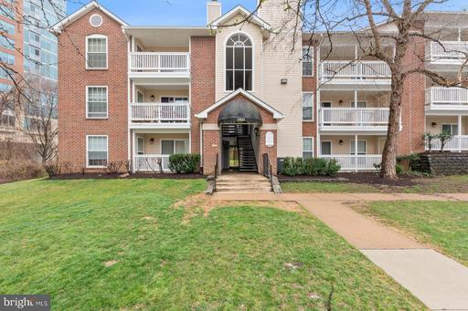 1521 Lincoln Way #103