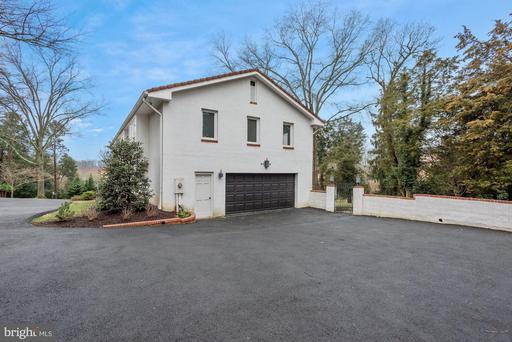 1306 Ballantrae Ct, McLean, VA 22101