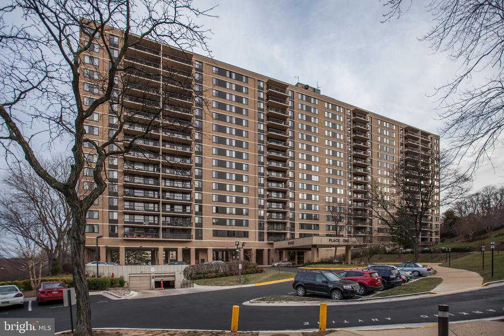 Photo of 5500 Holmes Run Pkwy #416