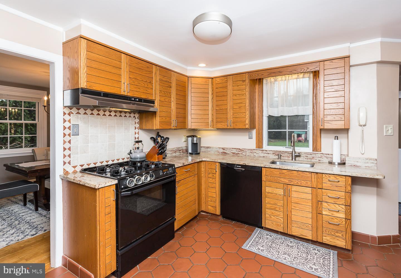 408 Walnut Place Havertown , PA 19083