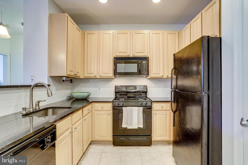 Photo of 2465 Army Navy Dr #204